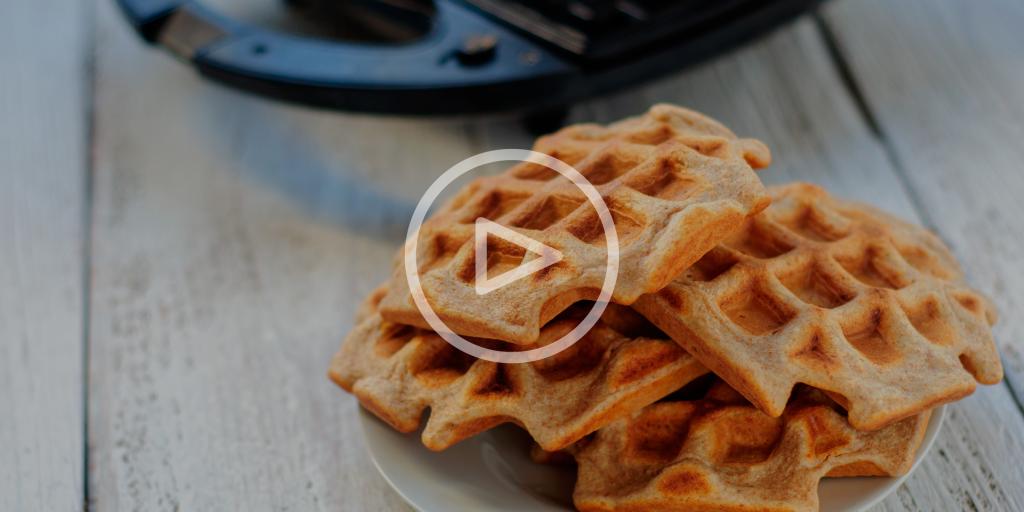 Простые закуски, которые можно приготовить в вафельнице