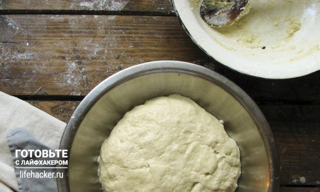 Универсальные булочки для бургеров и хот-догов: замешиваем тесто