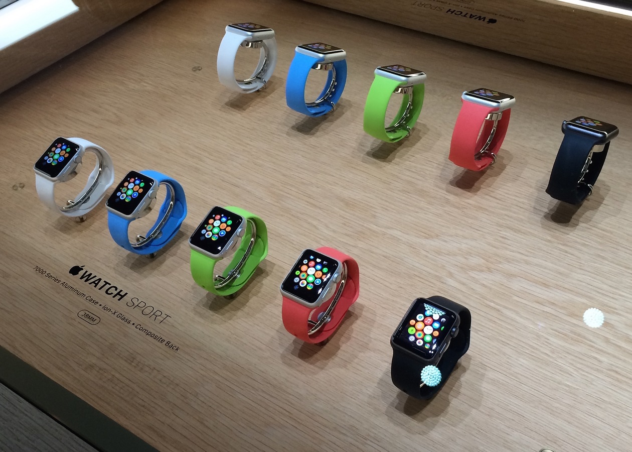 Продажи Apple Watch стартовали в семи странах