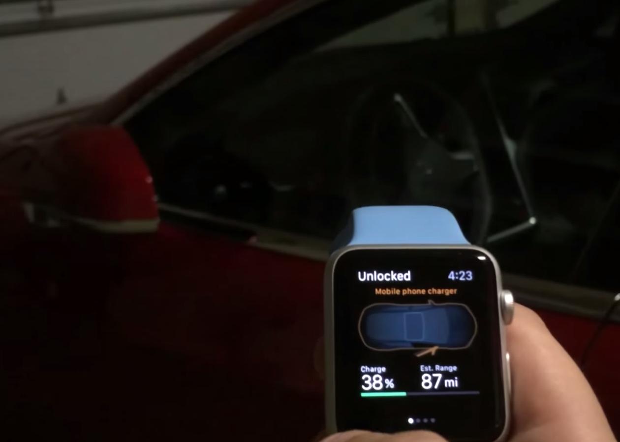 Apple Watch позволят управлять автомобилем Tesla