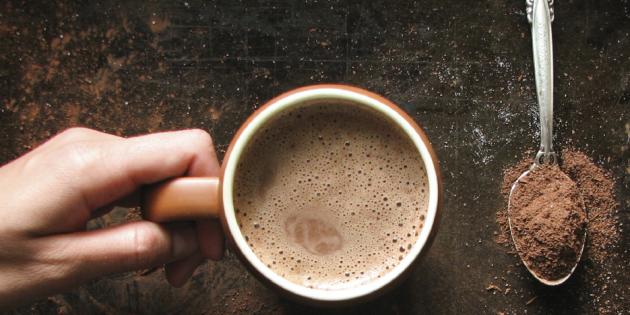 Ароматное какао с корицей и шоколадом