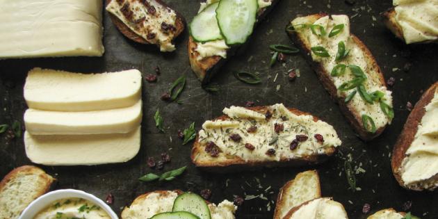 Плавленый сыр, приготовленный из твёрдого
