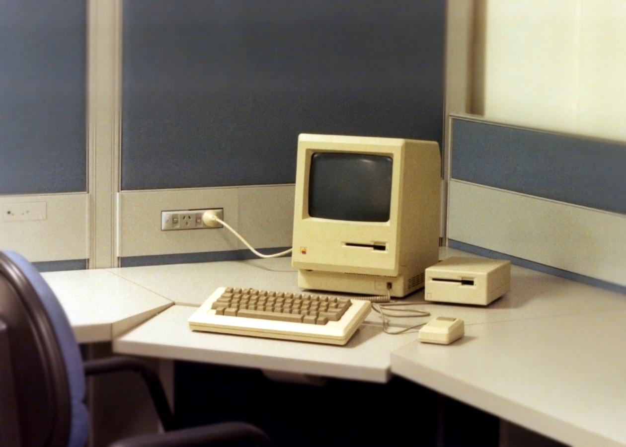 Как Apple рекламировала свой первый Macintosh в 1980-х