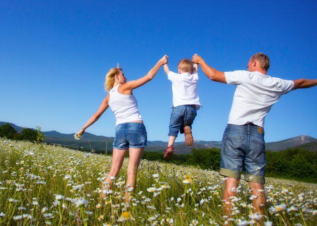 20 игр на свежем воздухе для всей семьи