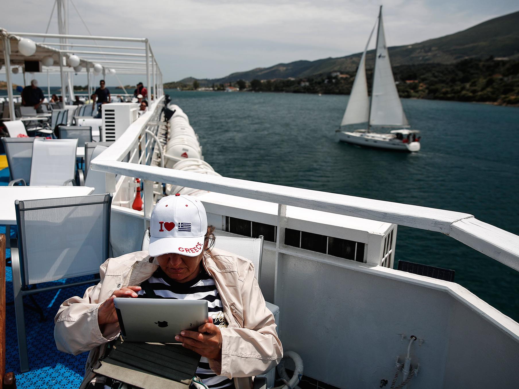 App Store и iTunes приостановили свою работу в Греции из-за финансового кризиса