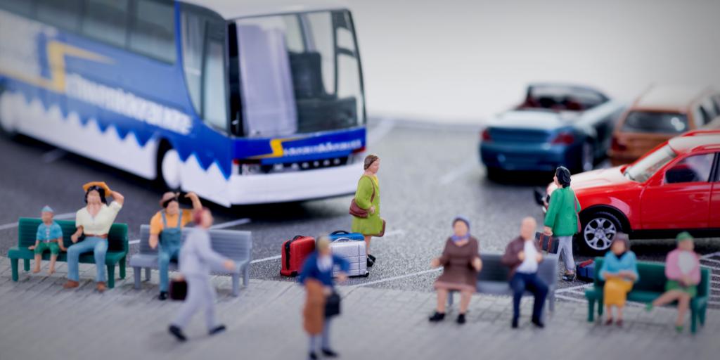 Склонил к сексу в переполненном автобусе