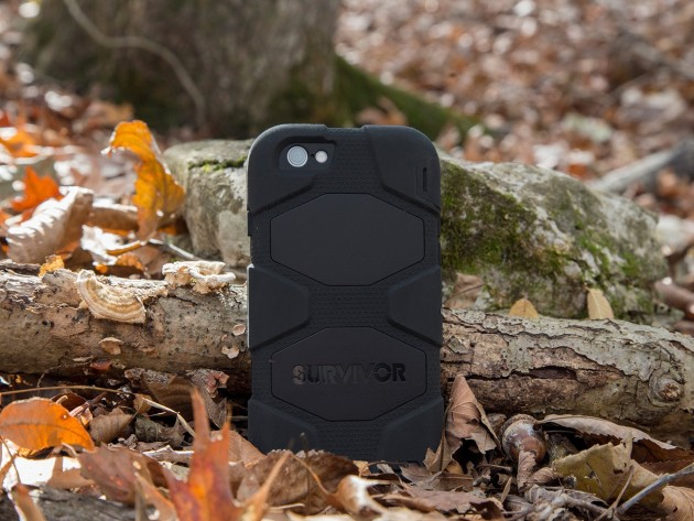 gb38903-survivor-all-terrain-iphone-6-black-black-in-leaves