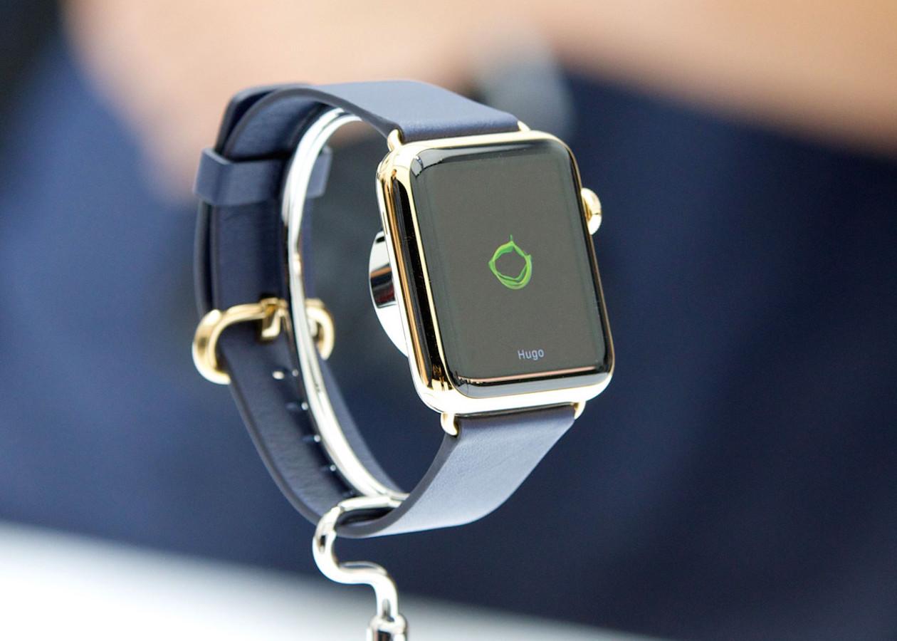 Пользователи пожаловались на облезающие буквы с крышки Apple Watch Sport