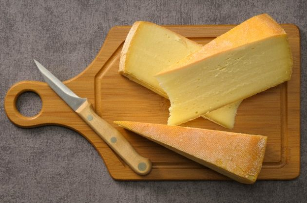 Learn How To Properly Take Care Of Your Kitchen Cutting Boards