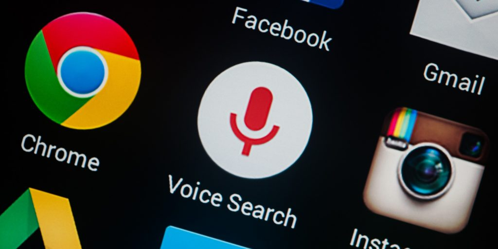 Google записывает все ваши голосовые запросы. Как это отключить и удалить весь компромат