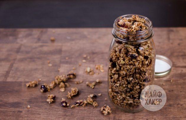 Ультрабыстрая гранола на сковороде: храните продукт в герметичных контейнерах
