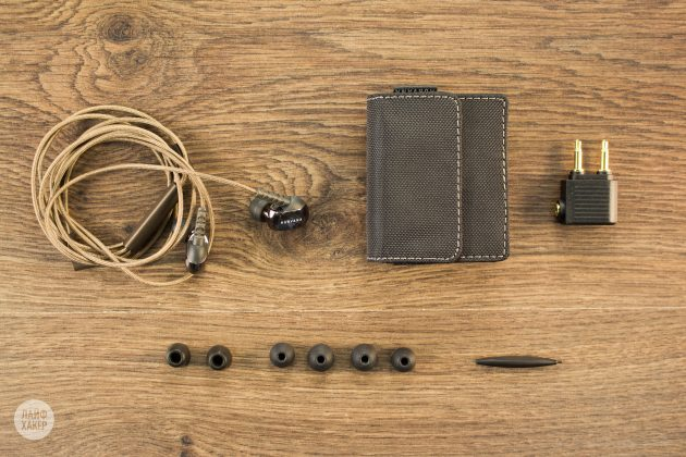 Арматурные наушники Creative Aurvana In-Ear3 Plus: комплект