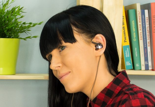 Арматурные наушники Creative Aurvana In-Ear3 Plus хорошо держатся в ухе