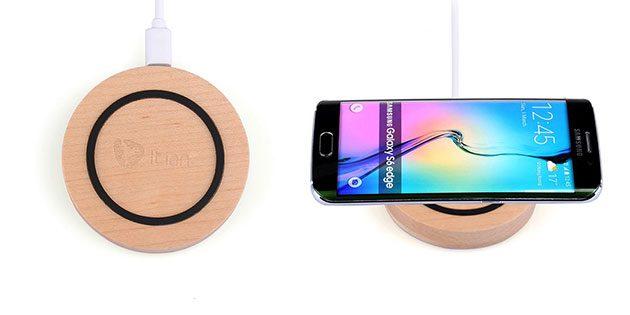 Находки AliExpress: беспроводная зарядка из дерева, брелок-мультитул, ёмкий внешний аккумулятор