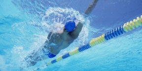 Как научиться плавать на спине