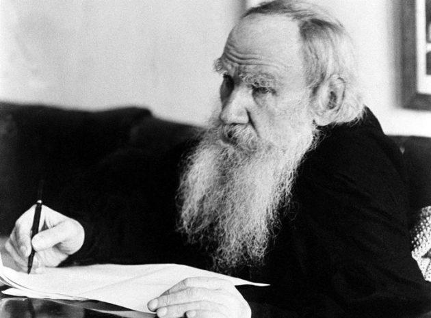 Лев Толстой, русский писатель и мыслитель