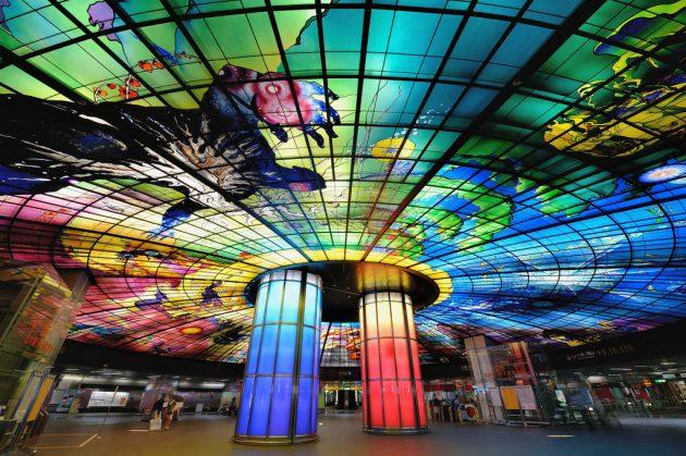 Станция метро Formosa Boulevard Station