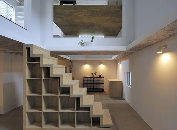 Четырёхэтажный дом без стен и лестниц