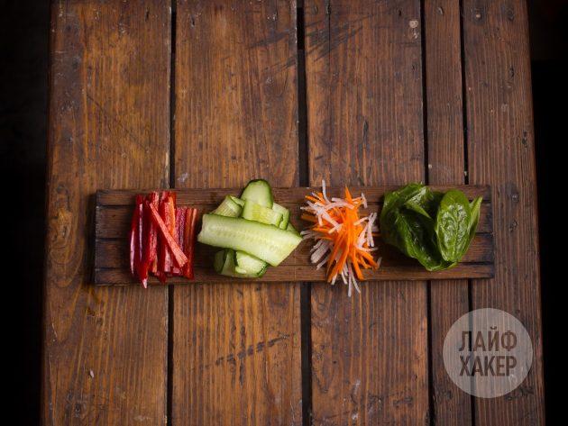 Подготовьте овощи для суширрито
