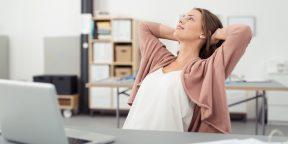 ВИДЕО: 10-минутный комплекс упражнений для растяжки на рабочем месте