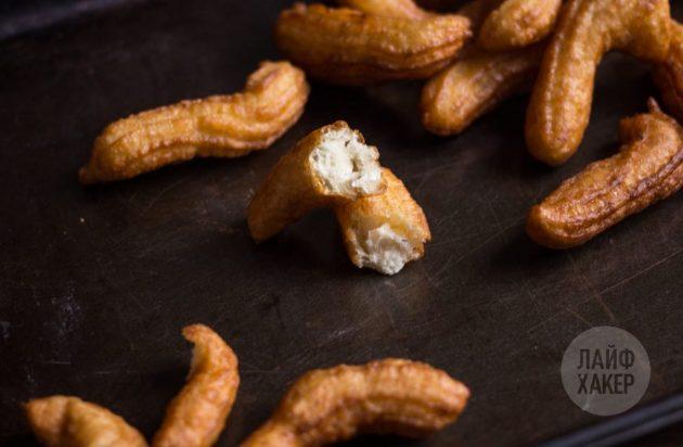 Убедитесь, что быстрые пончики внутри получаются пышными и мягкими