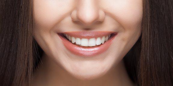 Как сделать зубы белее без вреда для здоровья