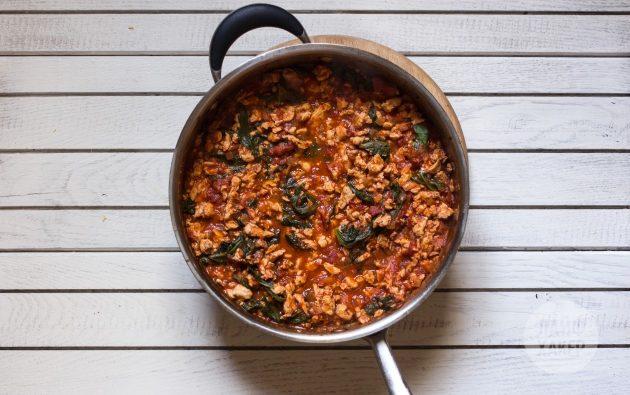 Рецепт лазаньи из кабачков с творогом: томите массу до загустения