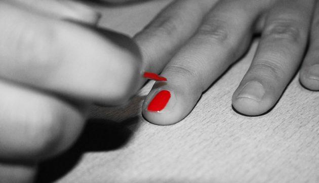 Как сделать красный лак в домашних условиях