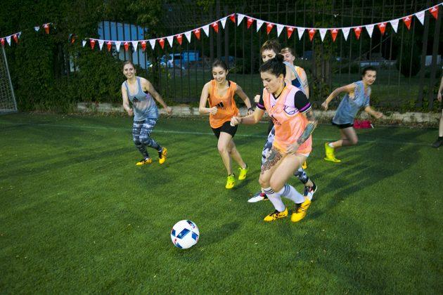 «Я создаю себя»: игра в футбол