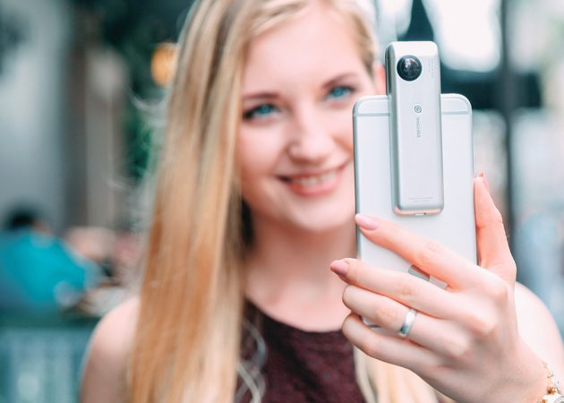 Insta360 Nano позволяет снимать панорамное видео на iPhone