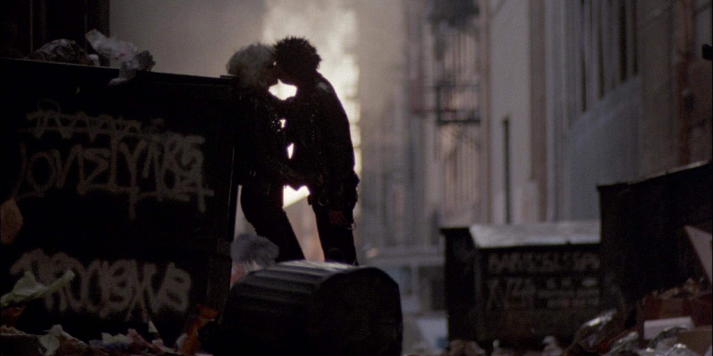 Что посмотреть: драма о боксе, классический фильм-ограбление и спорная комедия с Джонни Деппом.