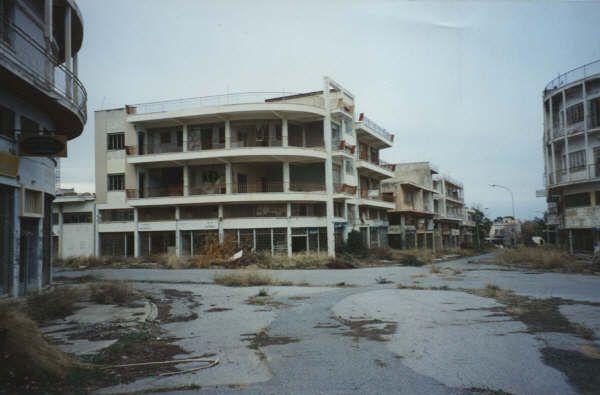 Пустые постройки Вороши