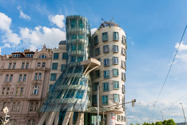 архитектура Европы: Dancing House in Prague