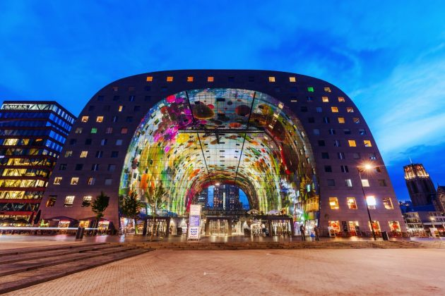 архитектура Европы: Markthal in Rotterdam's Blaak market