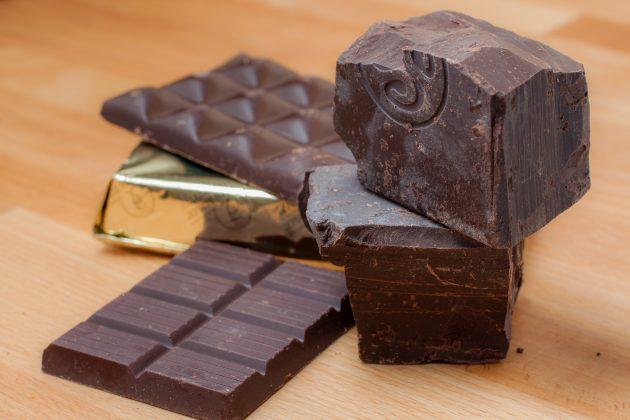 полезные продукты: тёмный шоколад