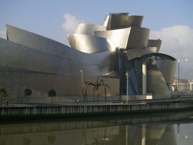 архитектура Европы: Guggenheim Bilbao in Spain