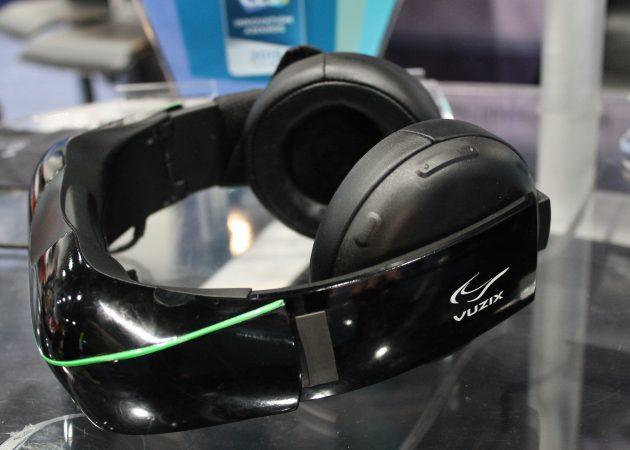 VR-гаджеты: Vuzix iWear Video Headphones