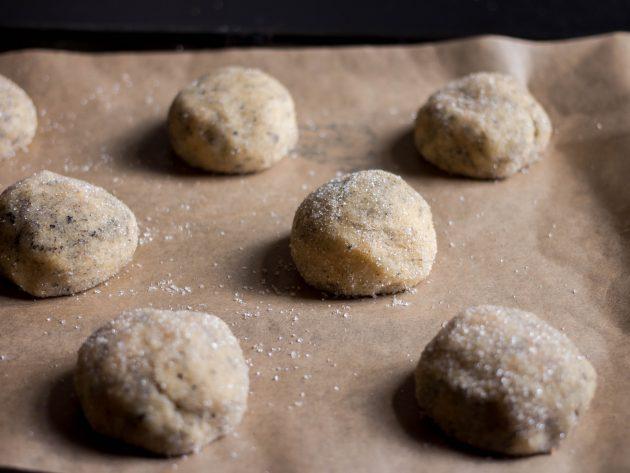 чайное печенье: формуем из теста шарики
