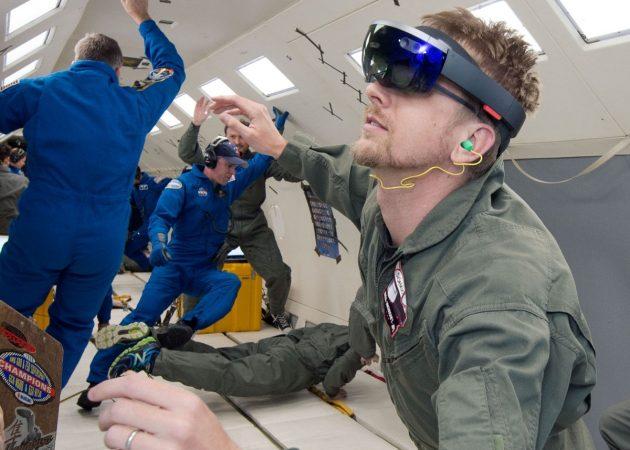 VR-гаджеты: Microsoft HoloLens