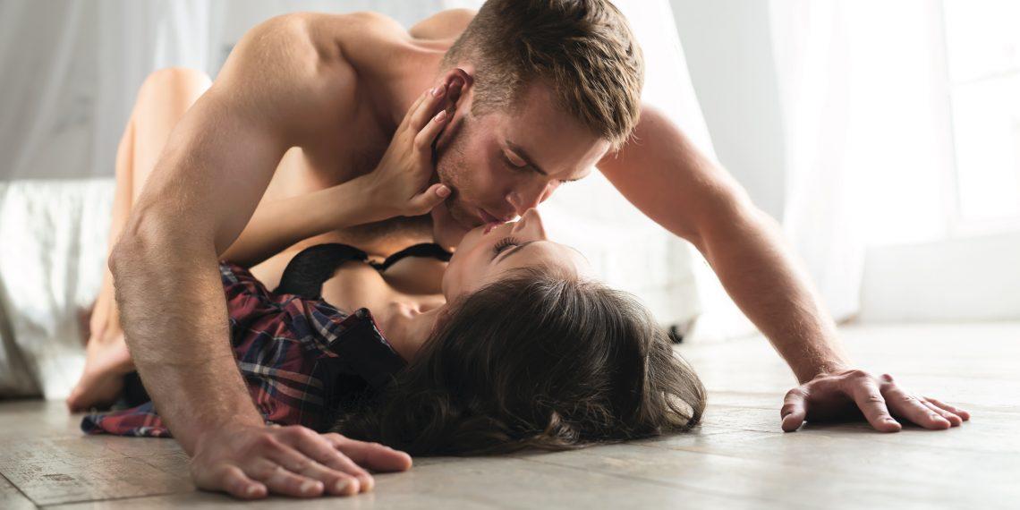 Секс в л жку пози