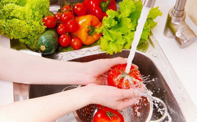 Как мыть овощи и фрукты