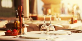 Как разделить счёт в ресторане