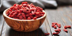 Вся правда о суперфудах: так ли полезны ягоды годжи и семена чиа, как о них говорят
