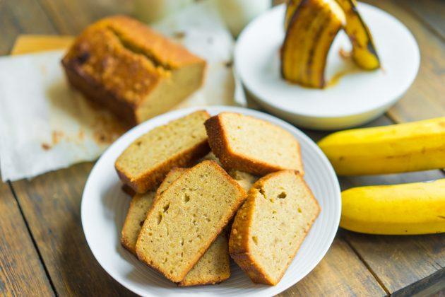 залежавшиеся продукты: банановый хлеб