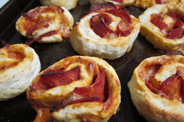 офисные обеды: пицца-рулет