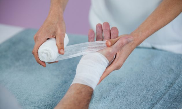Как остановить кровь при глубоком порезе
