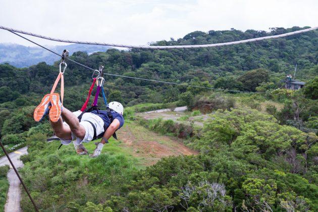 Куда поехать отдыхать: зиплайн над джунглями в Коста-Рике
