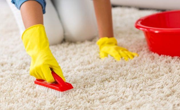 Как почистить ковёр уксусом