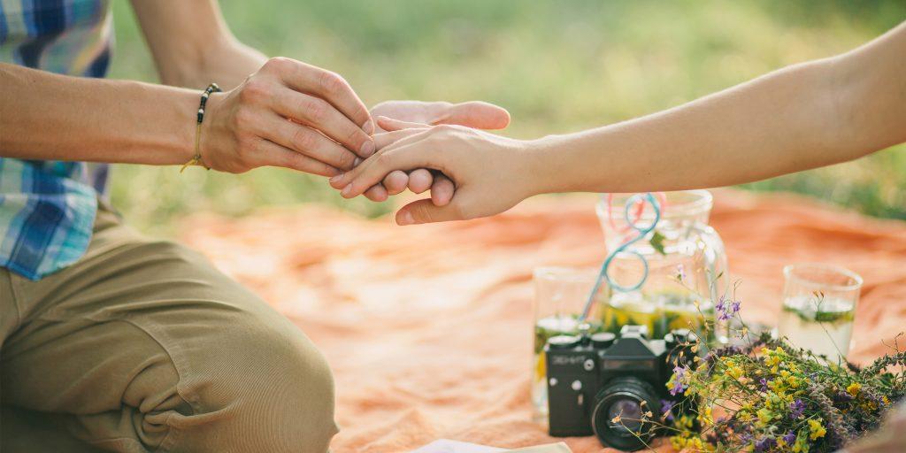 Романтичное предложение руки и сердца