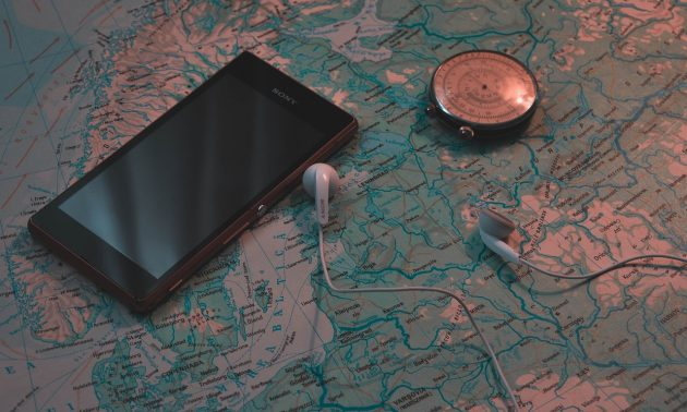 GPS-навигатор или смартфон?